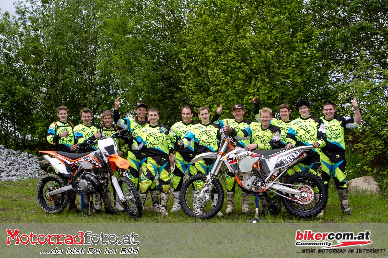 Das Enduro-Team des MSC Steyrtal beim Enduro Masters Rennen in Reisersberg (Foto: bikercom.at / motorradreporter.at)